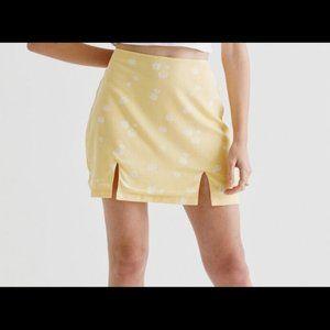 Kendall & Kylie Double Slit Yellow Mini Skirt Med